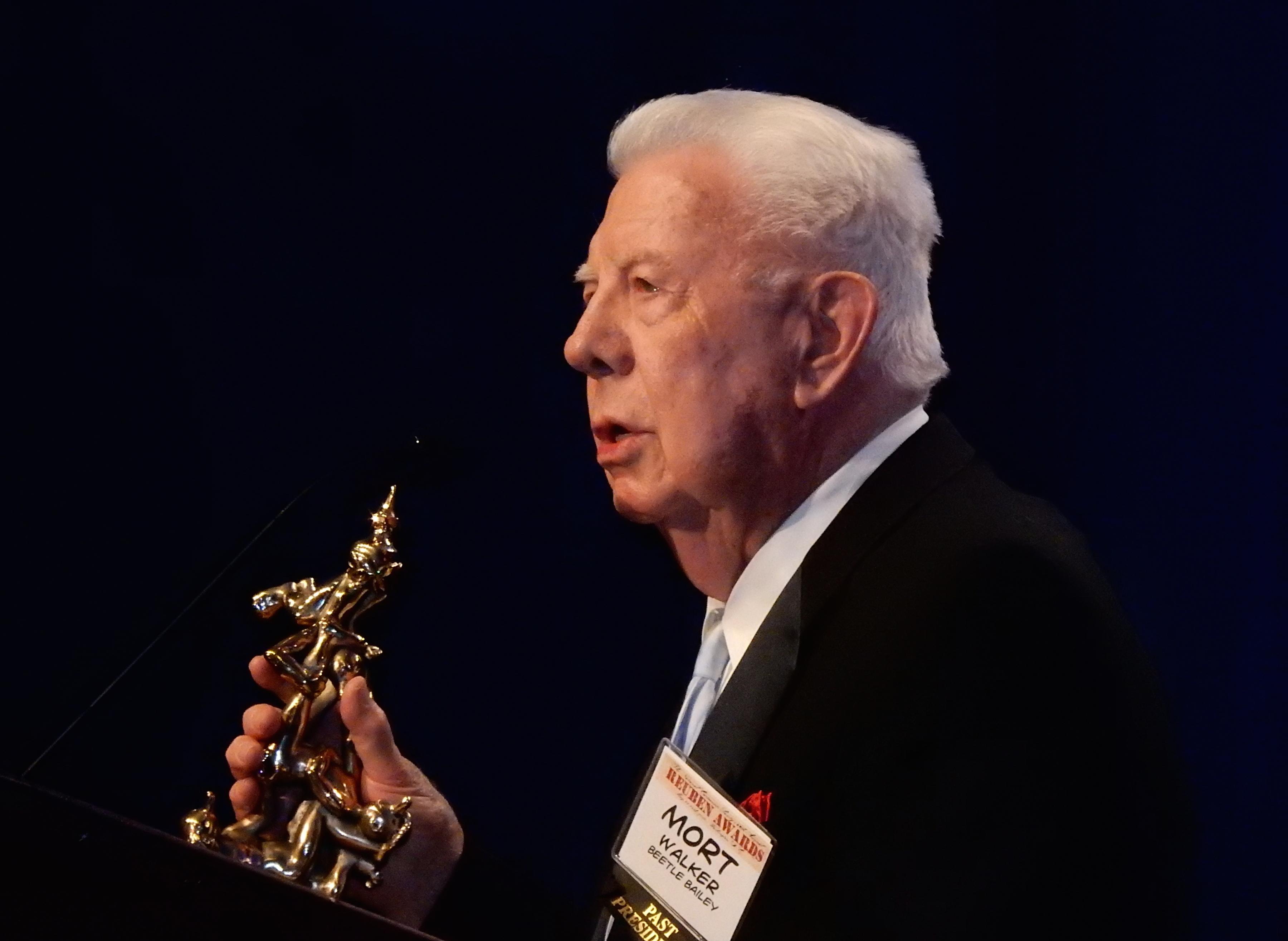Mort Walker made the Reuben Award presentation.